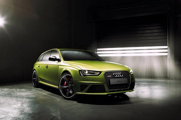 Audi Exclusive onthult RS 4 Avant in Peridot Green