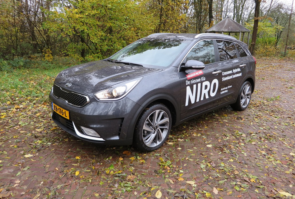 foto 39 s kia niro rijtest 1 6 gdi hybrid businessline 2016. Black Bedroom Furniture Sets. Home Design Ideas