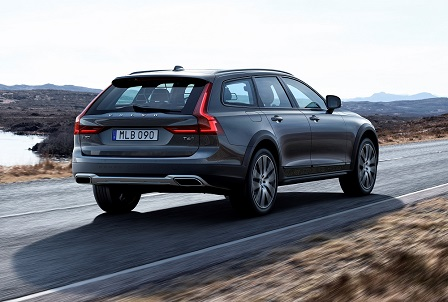 Volvo V90 Cross Country is officieel